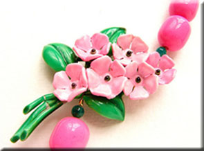 Vintage pink and green necklace by Sora Designs on Etsy