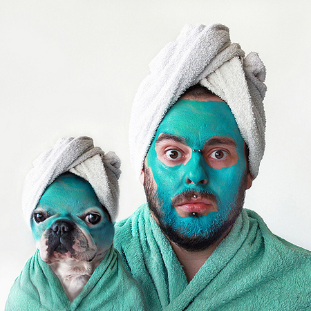 Self-portrait with French bulldog by photographer Retales Botijero